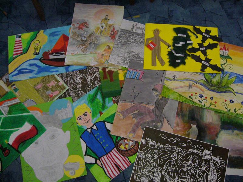 Niektóre z 124 prac, które wpłynęły na konkurs